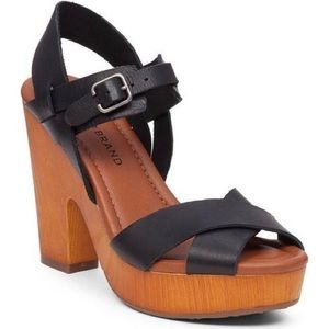 Lucky Brand Nova Chunky Wood Heel Leather Sandal